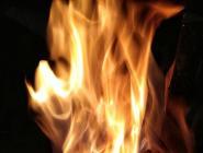 На Пырском сгорел вагон-бытовка