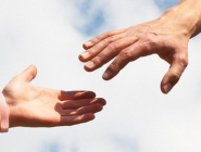 Социологи отметили увеличение числа благотворителей среди россиян