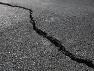 Трещины на дорогах — следствие низких температур и качества битума