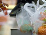 Из российских магазинов исчезнут целлофановые пакеты