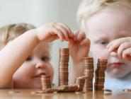 169 семей в Архангельской области обратились за получением ежемесячной выплаты из средств материнского капитала