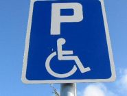 Прокуратура заставила котласский торговый центр позаботиться об инвалидах