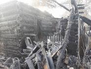 На окраине Котласа огнём повреждён частный дом