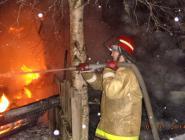 Пожар в Котласе повредил хозпостройки