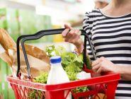 Сбербанк подсчитал: россияне тратят большую часть доходов на еду