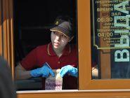 Общепит на нерабочей неделе в России может реализовывать еду только навынос — правительство