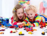 Субсидии от государства россияне потратили на подарки детям