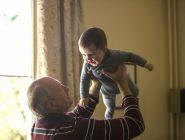 Размер прожиточного минимума для детей и пенсионеров планируют увеличить