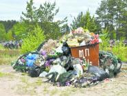 Кладбища превратились в свалки мусора