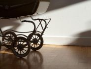 Украденную коляску вернули владельцу