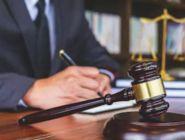 Челябинец, оскорбивший полицейского, доставлен в Котласский суд