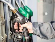 В Госдуме предложили снизить цены на бензин для населения